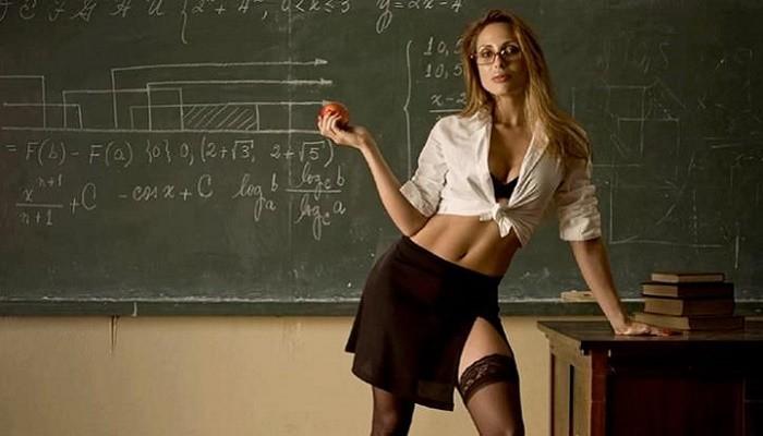 голы вчительки фото
