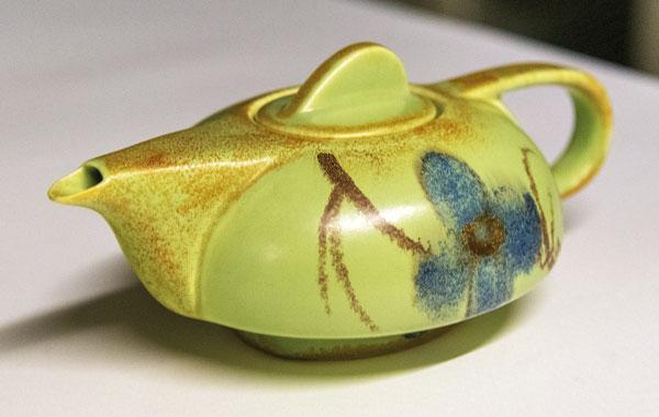 Ceramics Precious Metals DITSONG National Museum Cultural History teapot
