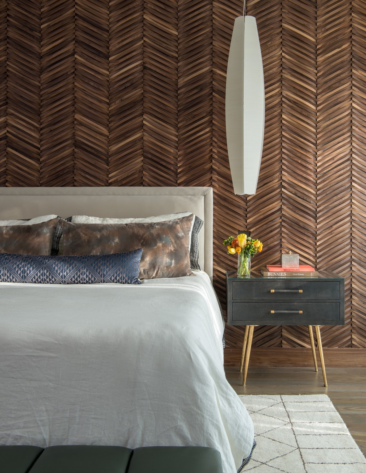 Herringbone wallcovering backdrop with custom headboard - Dbh-biz.info Interior Design