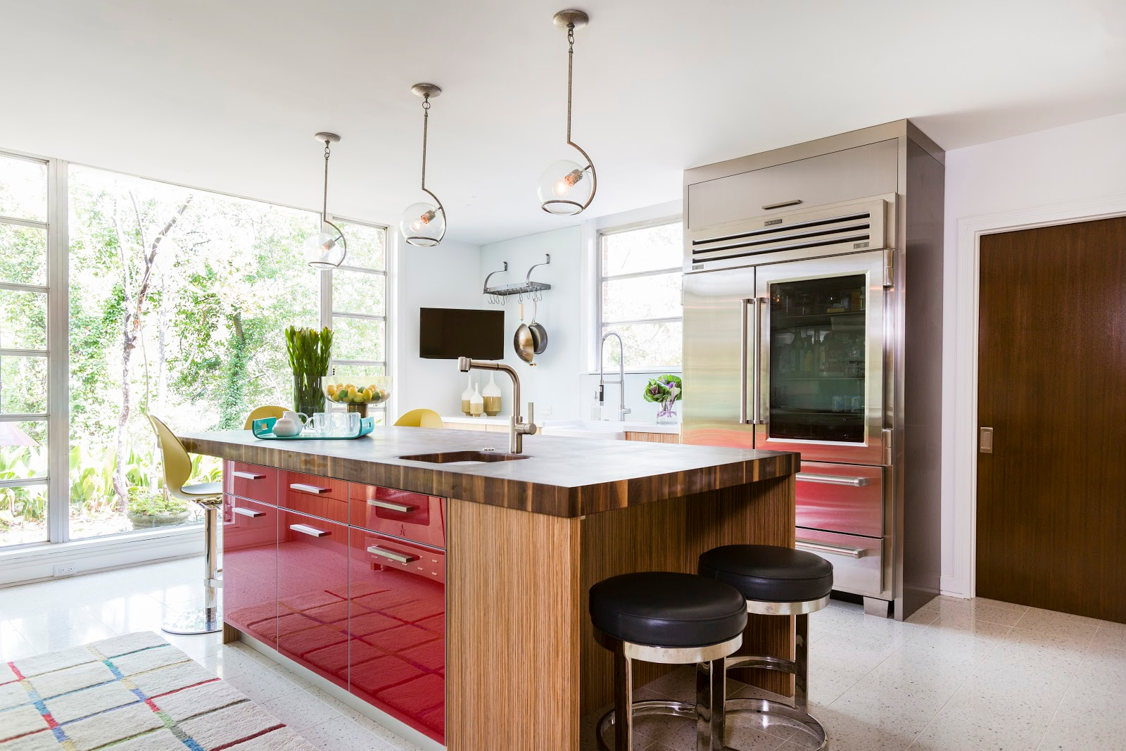Open concept modern kitchen with vibrant red cabinets and stainless steel appliances - Dbh-biz.info Interior Design