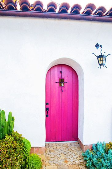 Selecting your front door, Hot Pink with white stucco front door