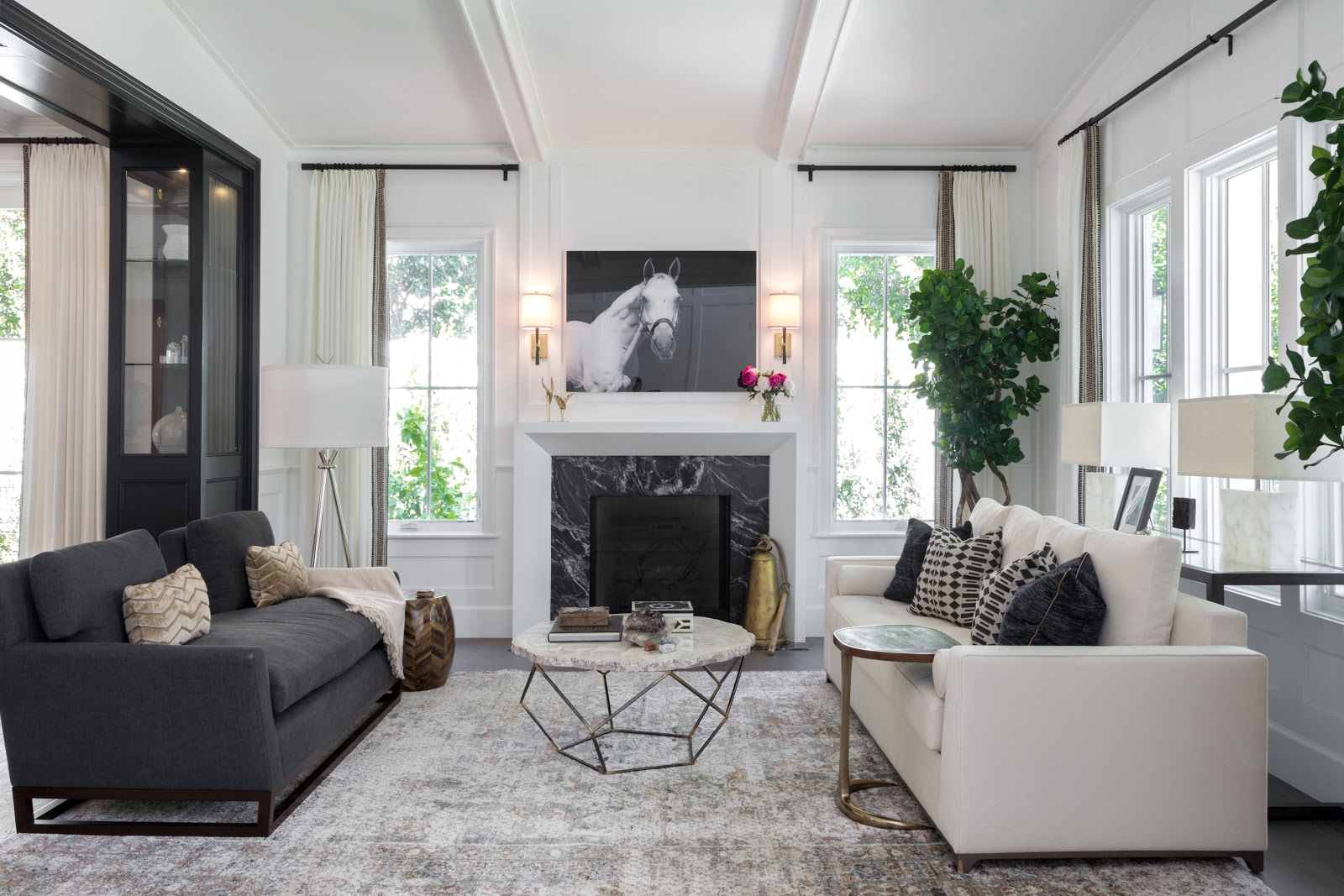 Los Angeles modern chic black and white living room - Laura U Interior Design