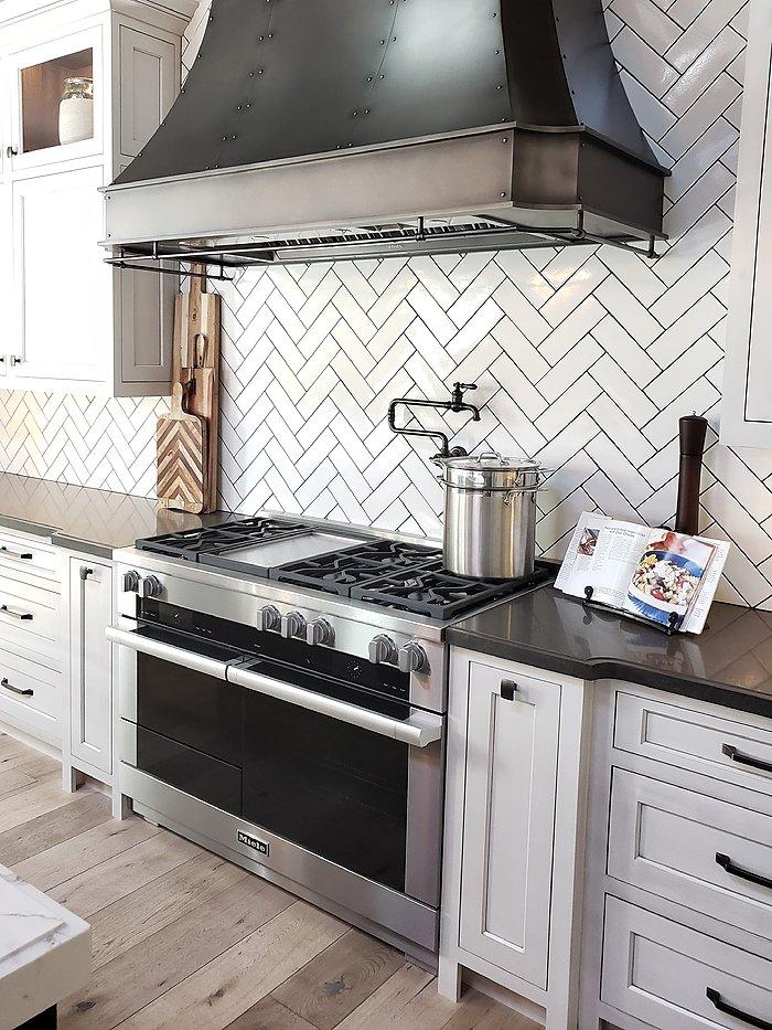 Miele authorized dealer showroom stove