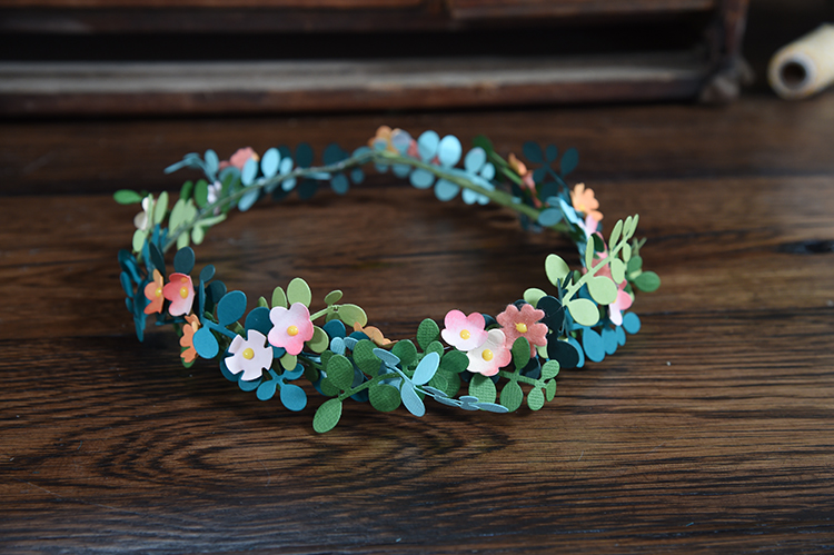 Trendy Flower and Leaf Garland Headband Tutorial: Step 6